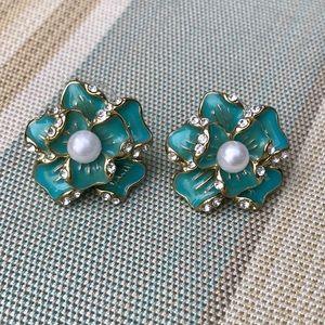 ⭐️5$25⭐️ Vintage enamel earrings